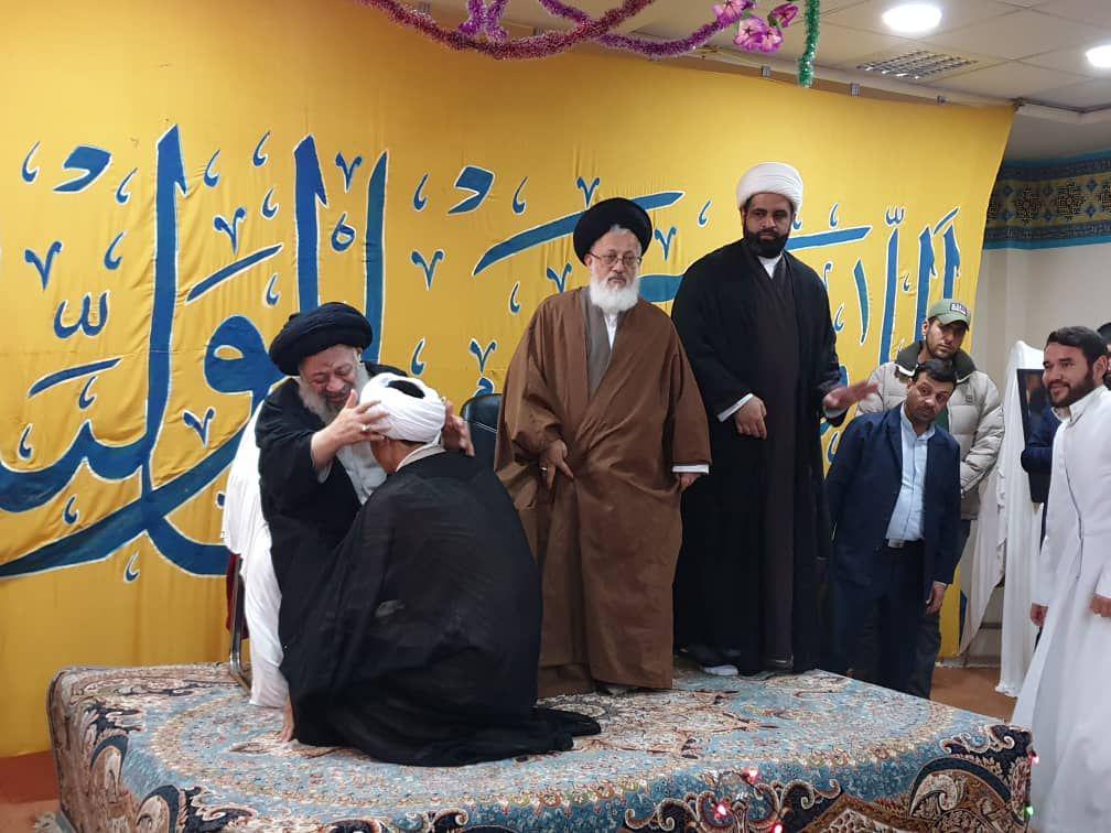 مراسم عمامه گذاری جمعی از طلاب حوزه علمیه امام خمینی(ره) در نجف اشرف